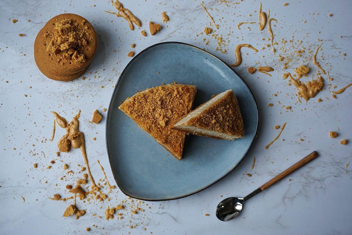Tarta de queso vegana con crema de cacahuete
