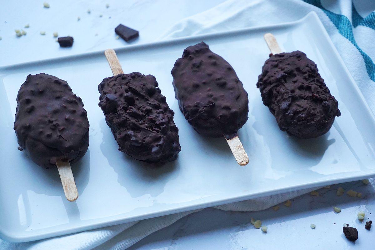 helados veganos almendrados con plátano y cacao