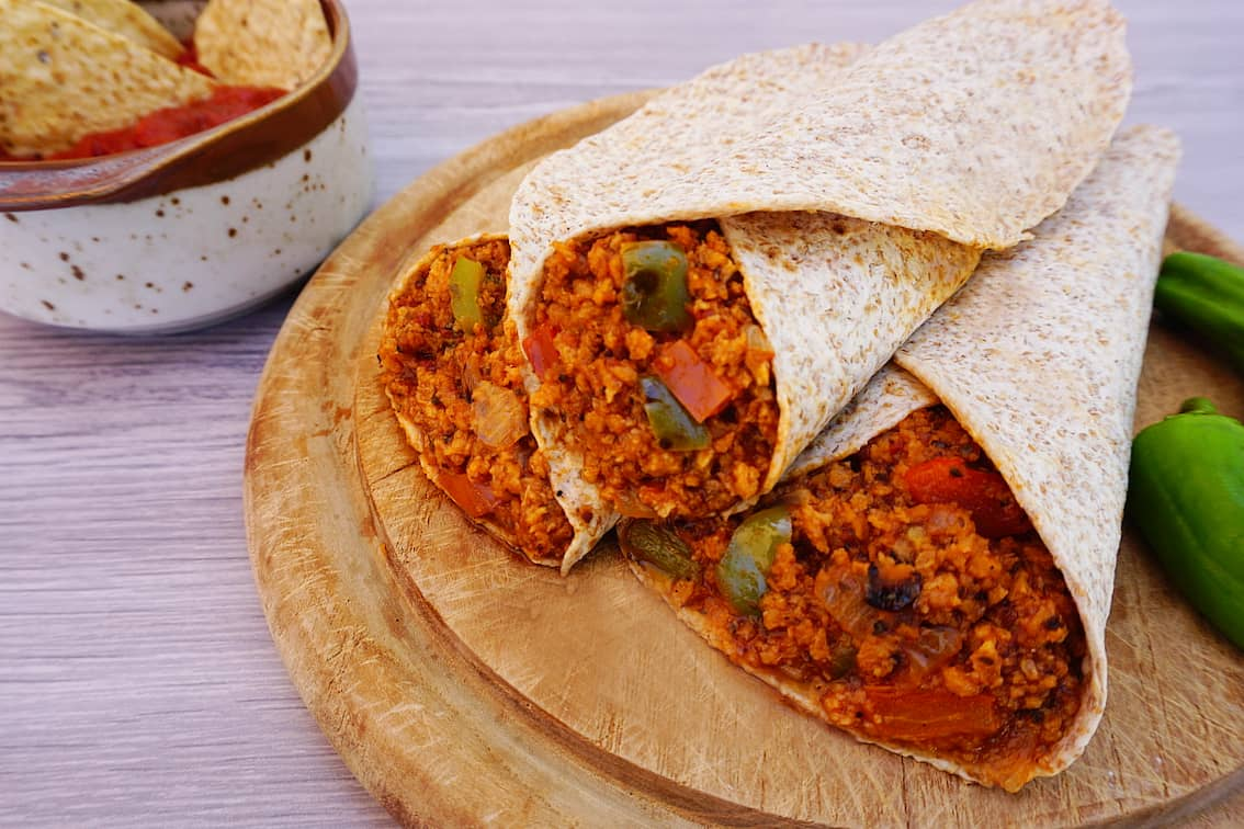Burritos veganos de soja texturizada