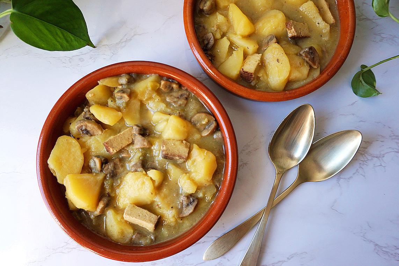 Guiso de tofu, champiñones y patatas